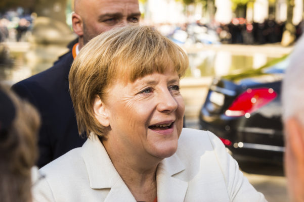 Merkel: Wirtschaft muss bei Daten-Nutzung aufholen